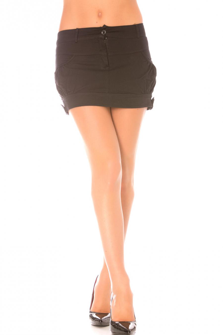 Korte zwarte rok met zakken. Rok