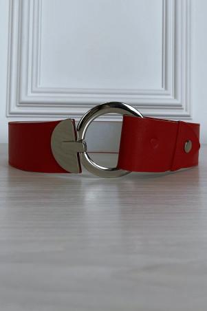 Grosse ceinture rouge en simili avec boucle cercle argenté
