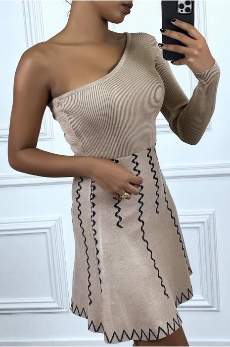 Robe taupe asymétrique côtelé et motif zig zag