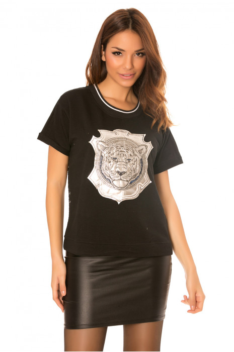Top noir à empiècement tête de lion et dos en dentelle. A1883