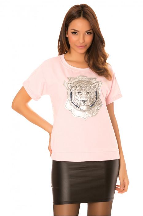 Roze top met leeuwenkop en kanten achterkant. A1883
