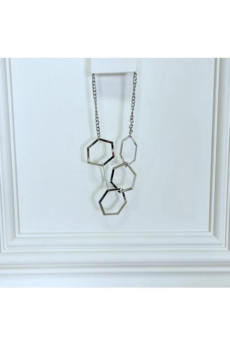 Collier argenté à motifs géométriques