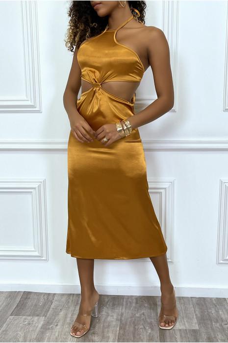 Robe satinée doré côtes dénudées