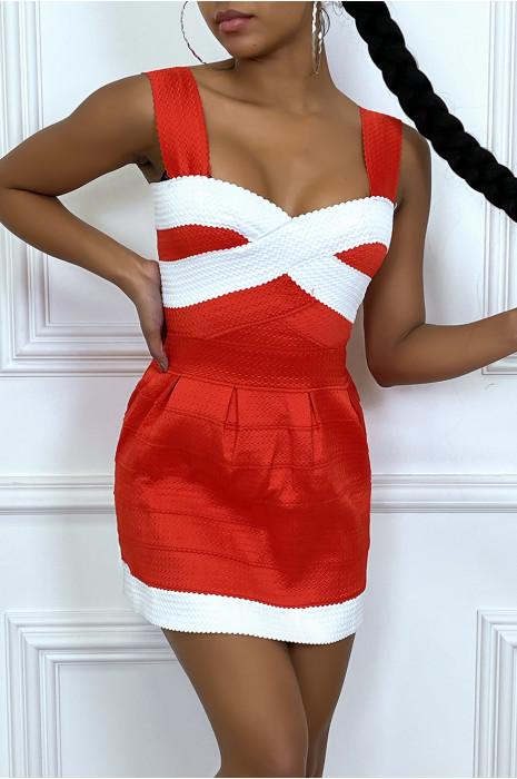 Robe rouge à bande et bretelles