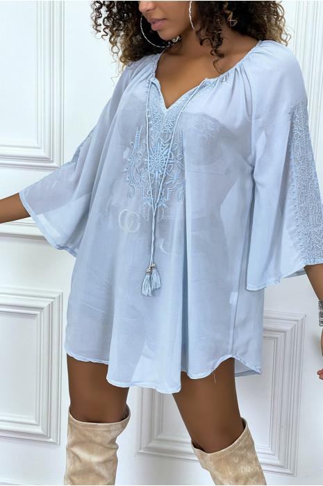 robe tunique bleu brodée et evasée
