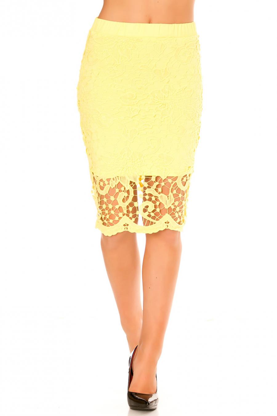 Magnifique jupe jaune 3/4 en dentelle. Vêtement mode tendance pour l'été. 13488