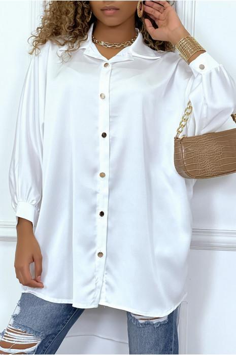 Over size satin fuchsia shirt dress. Loose woman shirt