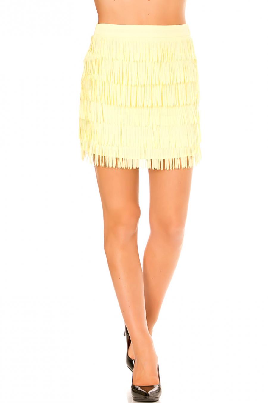 Zeer modieuze gele minirok met franje ideaal voor de zomer. Goedkope damesmode. 7785