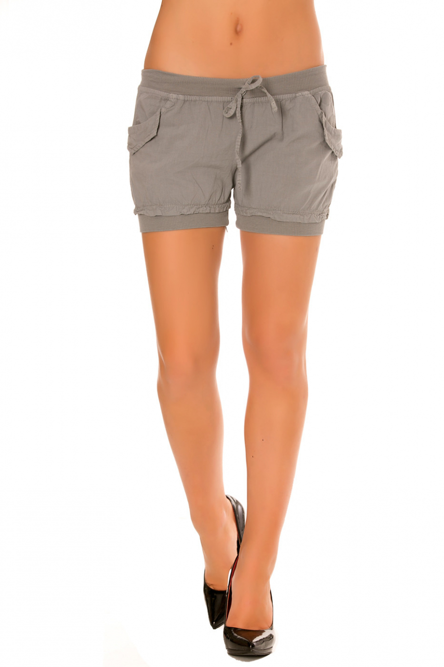 Grijze mini short met elastiek op de broekspijp en tailleband. Zak aan de zijkanten. M801