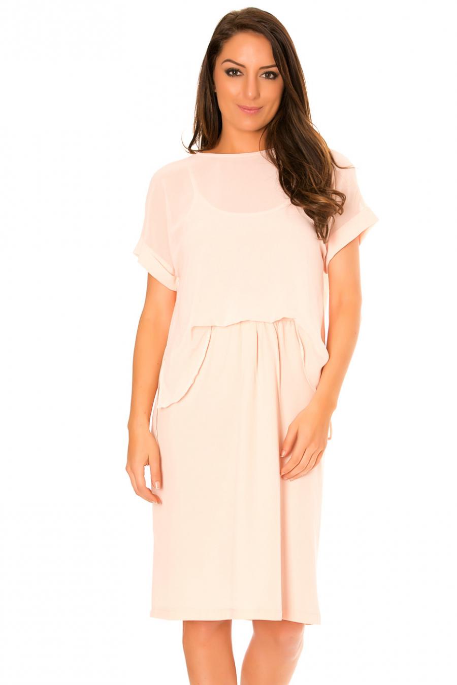Roze doorschijnende jurk, tweedelige rok en topstijl. F5562