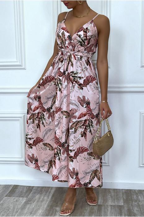Robe longue rose à fentes et motif feuille