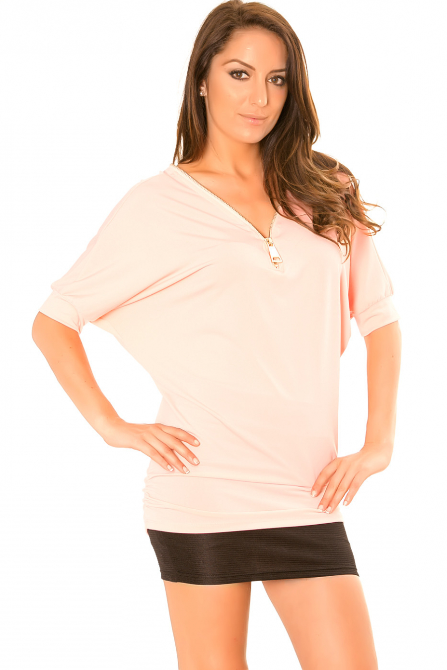 Pink top with batwing sleeve and V-neck with adjustable zip. F2625