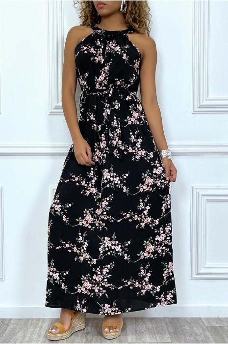 Robe longue rose avec imprimés floraux, à col rond sans manches
