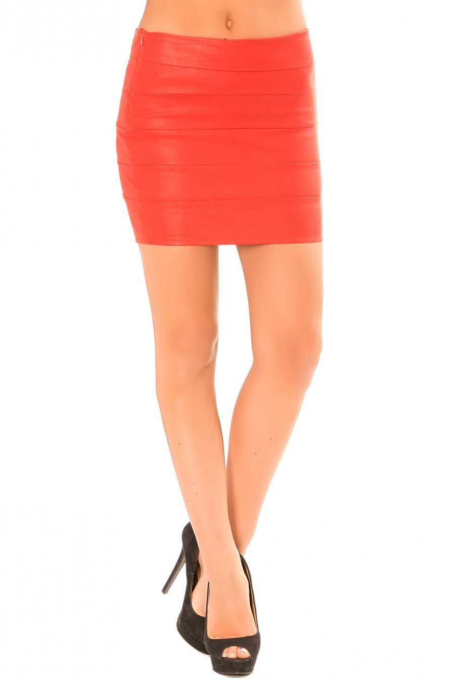 Mini jupe rouge en simili côtelé. Jupe Sexy. 626