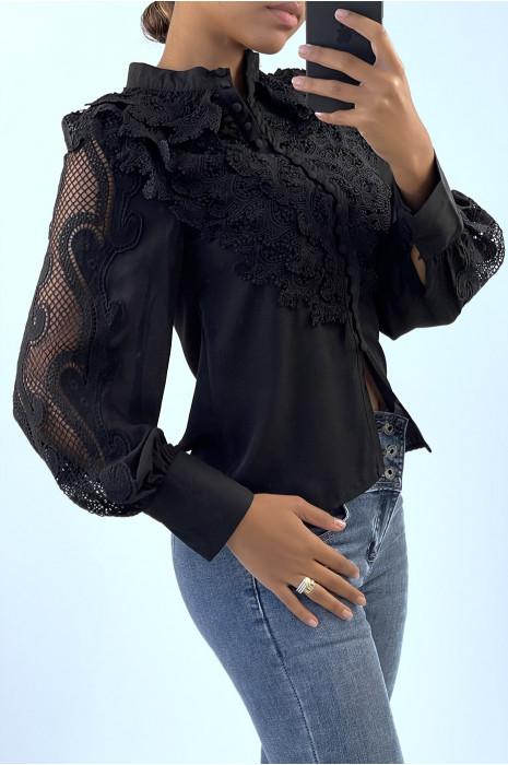 Chemise noir avec broderie au buste et aux manches