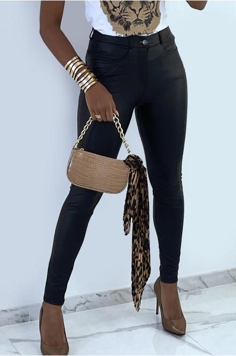 Pantalon en simili noir avec poches. Pantalon femme pas cher
