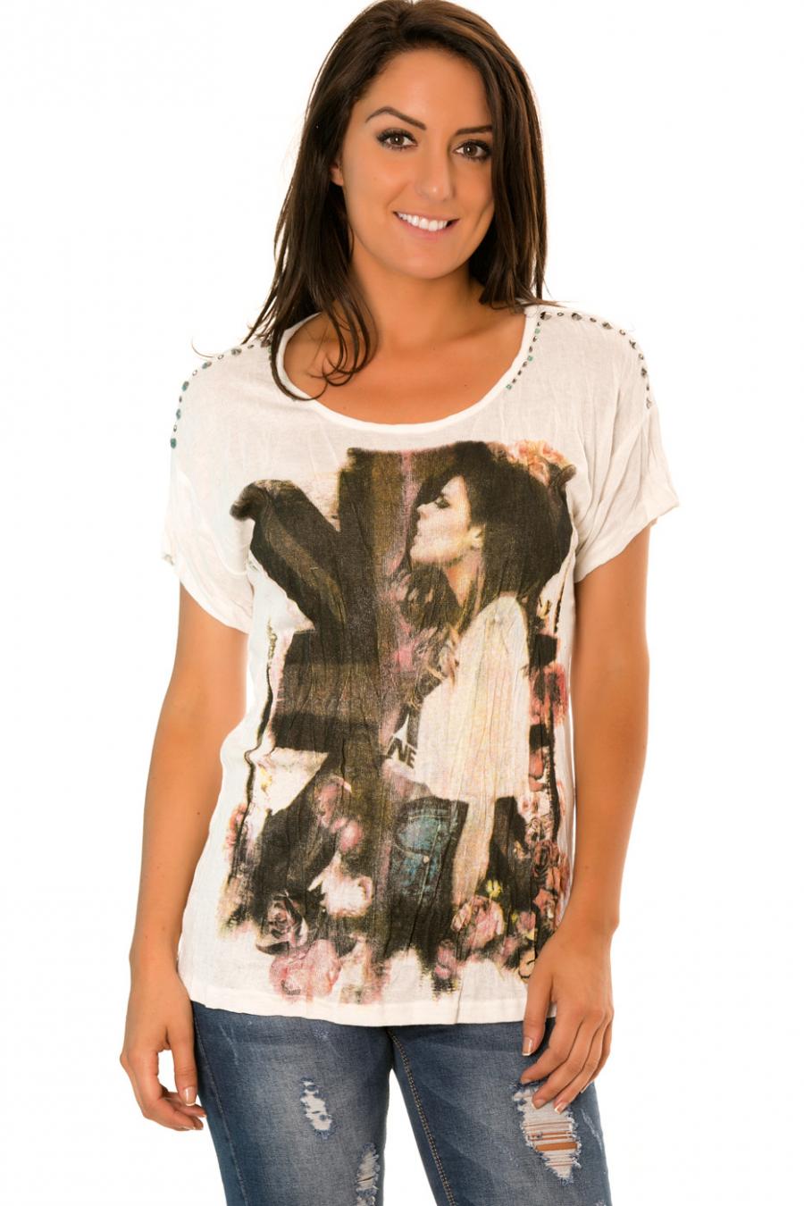 Tee shirt Blanc avec imprimé femme et perles sur les épaules - R-209