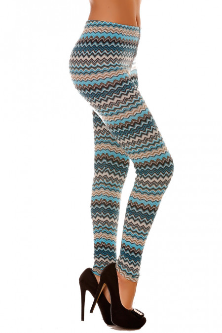 Winter leggings in colored acrylic in turquoise with ultra fashionable zig zag patterns. 140-4