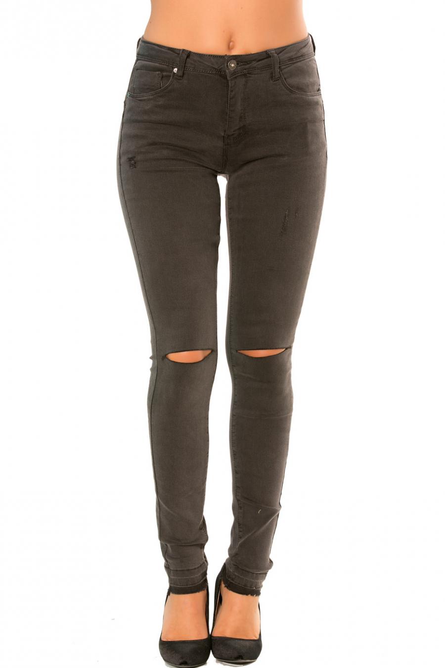 Antracietkleurige slimfit jeansbroek met gaatjes bij de knieën. PTL-S820