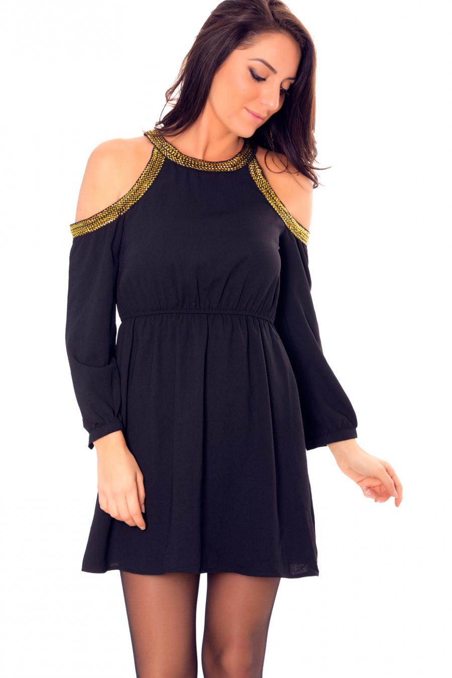 Mooie zwarte avondjurk met blote schouders met gouden biesjes. E-2558.