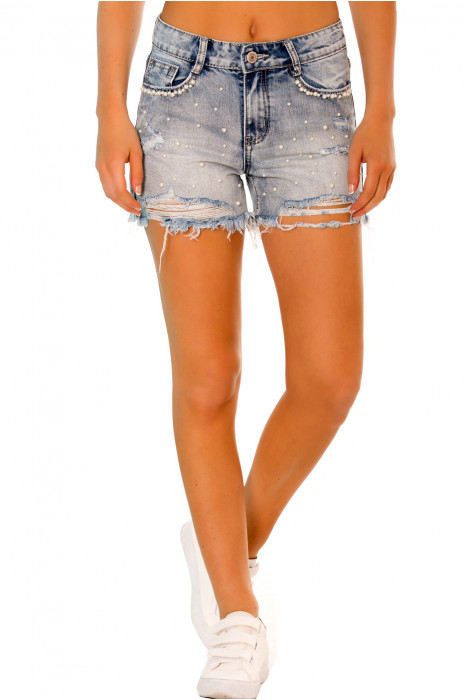 Mini short en jeans destroyed orné de perles. Mini short perles femme R552