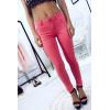 Koraalkleurige slanke jeansbroek met zakje en leuke look op de achterkant. Jans fashion JL177
