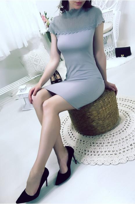 Magnifique robe grise très chic avec une jolie dentelle au buste. WJ 8005