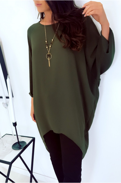 Beautiful very loose tunic in khaki with necklace. Large and trendy. 1659