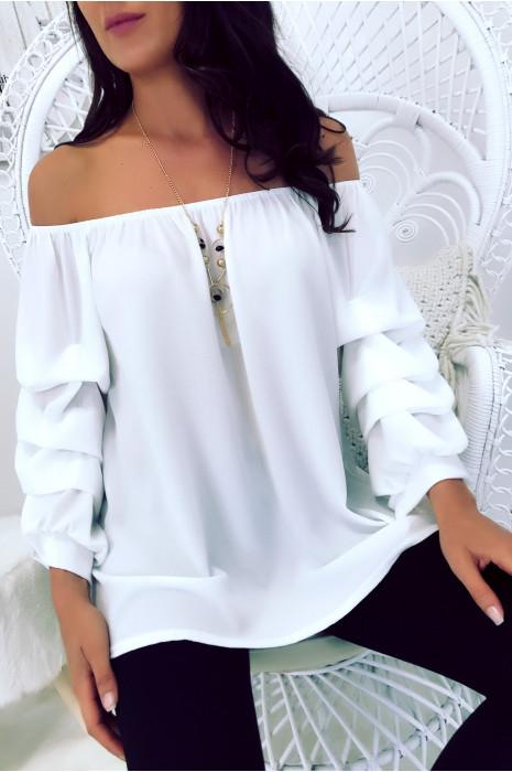 Magnifique blouse blanc col bateau à collier manche bouffante. 1773