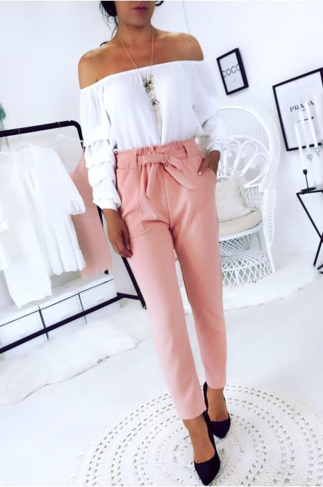 Pantalon cigarette rose avec poches, gros passant et ceinture. 1702
