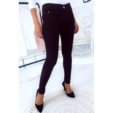 Pantalon slim noir, basic avec poche avant et arrière