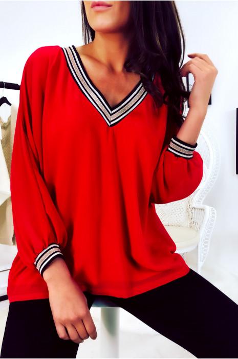 Magnifique blouse col V rouge, doré au col et aux manches. 1844