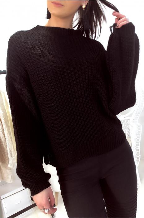 Magnifique pull noir épais avec manche bouffante. Mode femme