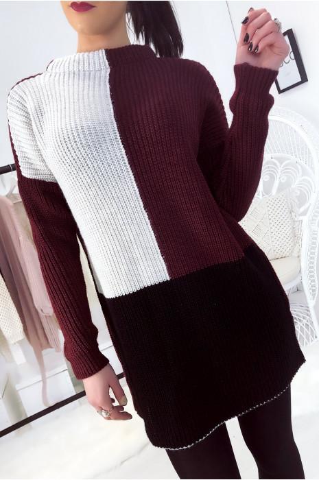 Joli pull tri color à dominance bordeaux. Mode femme fashion