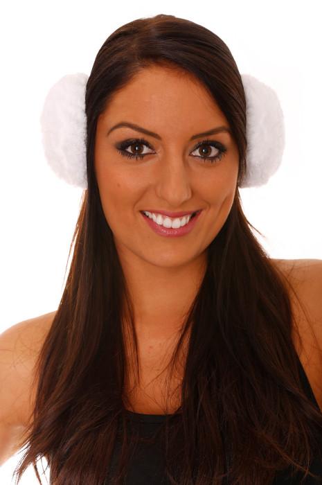 Witte oorkappen in Polar Style.
