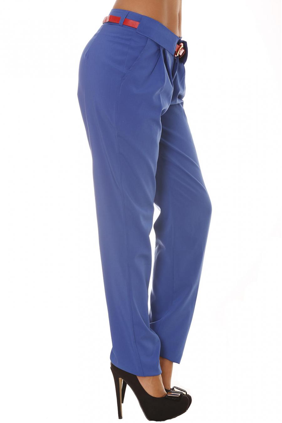 Pantalon à poches Royal Fluide coupe Carotte avec ceinture Rouge. Pantalon Femme. BS20210