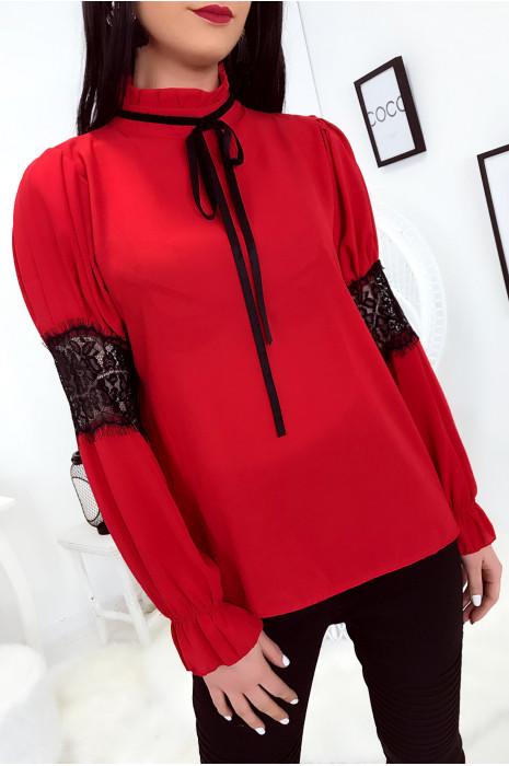 Jolie chemisier Rouge avec dentelle transparente aux bras et petit noeud au cou. 0355