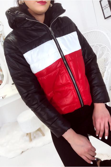 Jolie doudoune à capuche avec poche, couleur Noir Blanc Rouge. Mode femme