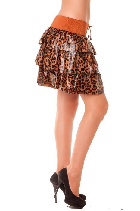Schitterende donkerbruine satijnen rok met luipaardprint. met elastische tailleband. 1102