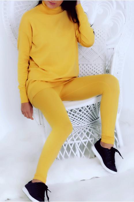 Ensemble pull tunique col roulé jaune avec leggings. 171