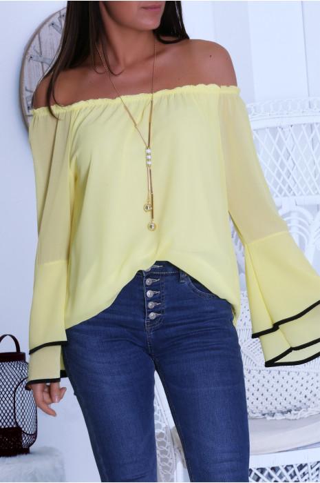 Jolie blouse jaune avec volant aux manche et collier