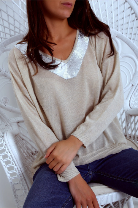 Fine beige top with silver V-neck. PU300-112