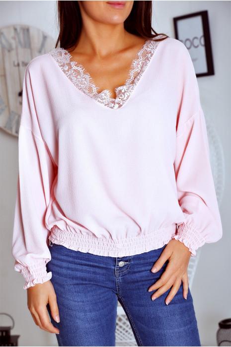 Mooie roze blouse met V-hals, kant en elastiek in de taille