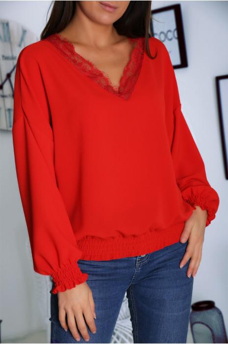 Jolie blouse rouge col V avec dentelle et élastique à la taille