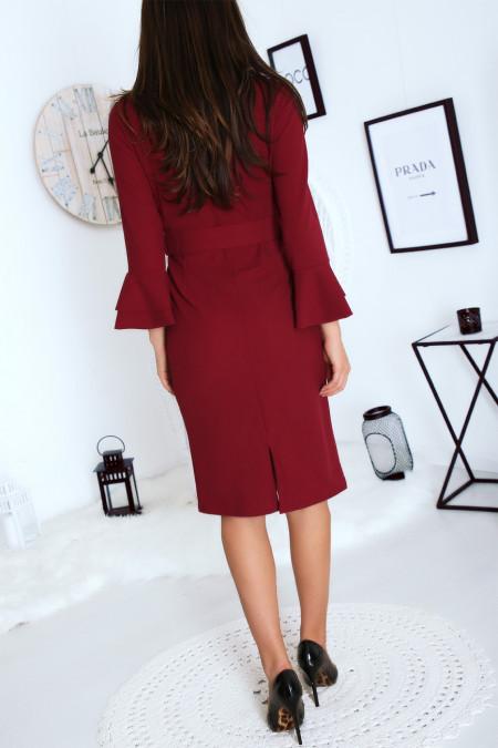 Bordeaux getailleerde jurk met ceintuur en wijd uitlopende mouwen