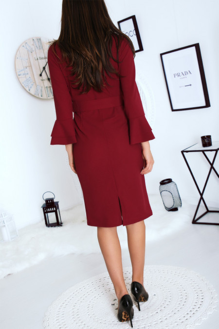 Burgundy fitted dress with belt and flared sleeves
