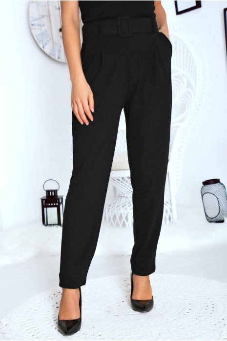 Jolie pantalon droit noir avec ceinture et poches