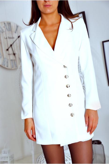 Sublime veste blanc croisé devant, boutonnés à l'avant et aux manches. 9003