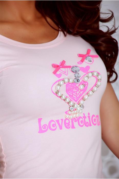 T shirt rose avec motif coeur orné de strass. Top prix mini