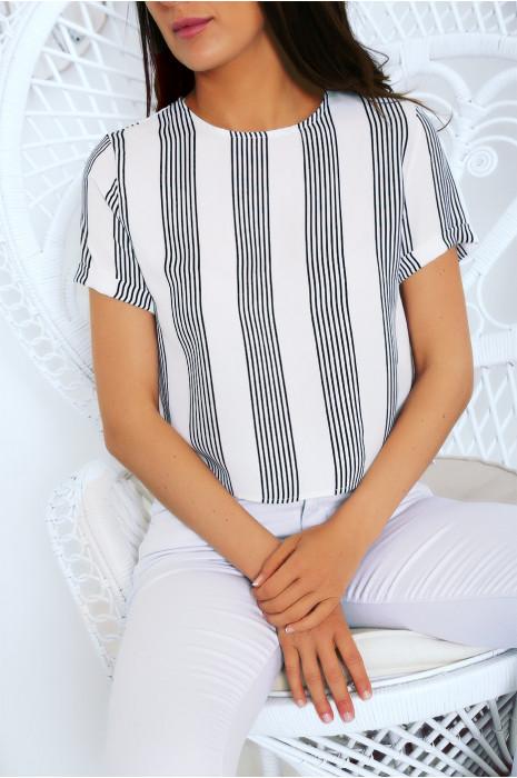 Petite blouse en crêpe rayé blanc et noir. Haut working girl très tendance